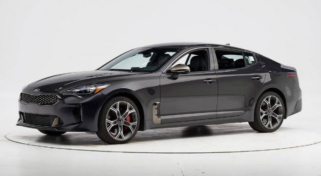 Crash-test IIHS: Kia Stinger ottiene il premio TOP SAFETY PICK +
